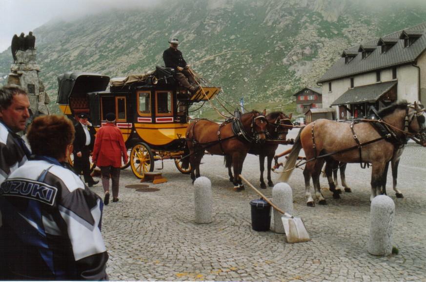 Alte Postkutsche am St. Gotthard