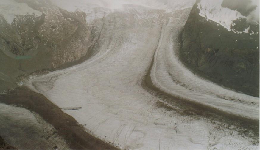 Gornergratgletscher in Nebelwolke