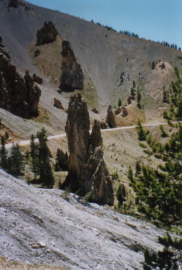 Am Col de Izoard mit seiner bizarren Steinwelt (Mondlandschaft)