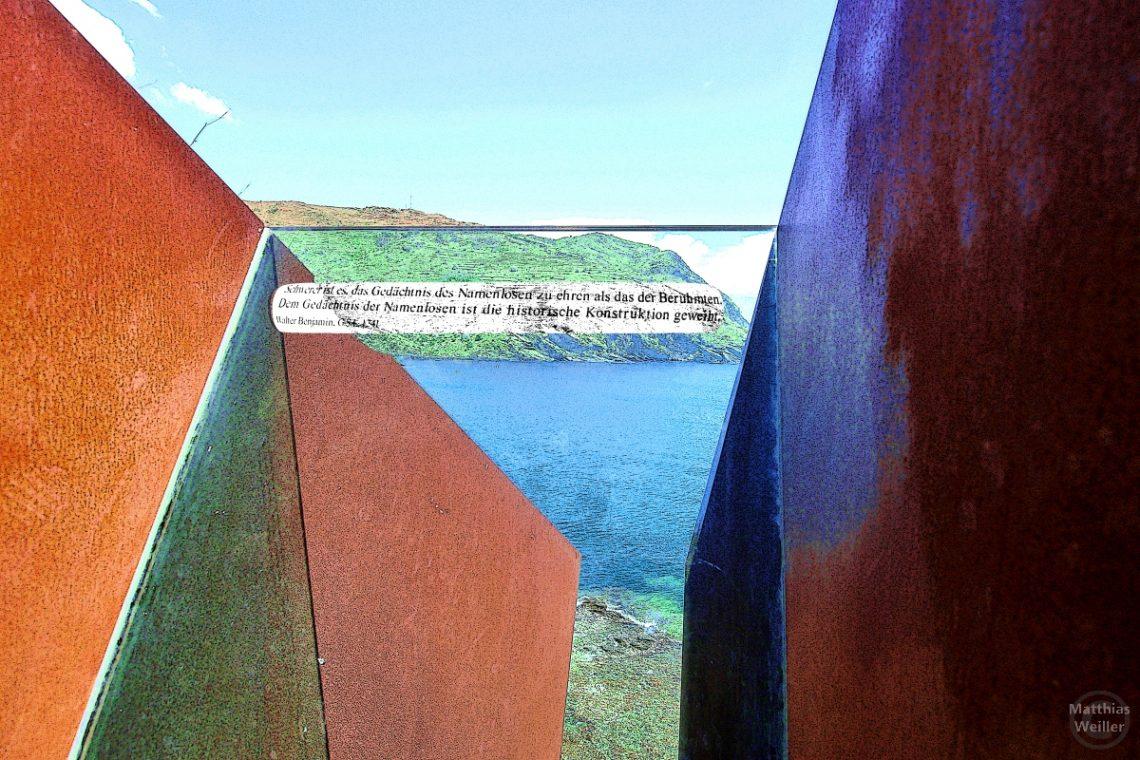 Stählernes Mahnmal im Gedanken an Walter Benjamin, Banyuls-sur-Mer, Côte Vermeille, stilisiertes Foto mit Flucht in die Meeresbucht