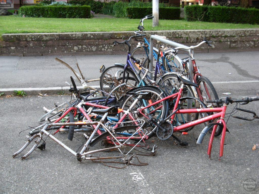Fahrradknäuel in Freiburg
