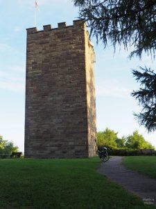 Wasserturm als Burgfried nachgebaut in Sternenfels
