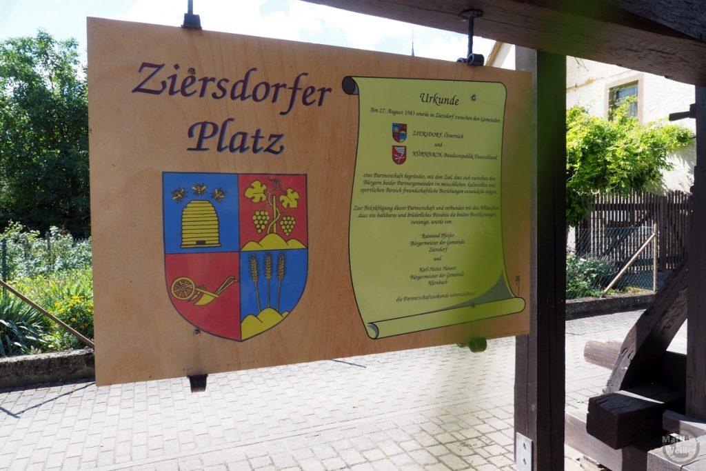Freundschaftsurkunde Kürnbach-Ziersdorf am Ziersdorfer Platz in Kürnbach