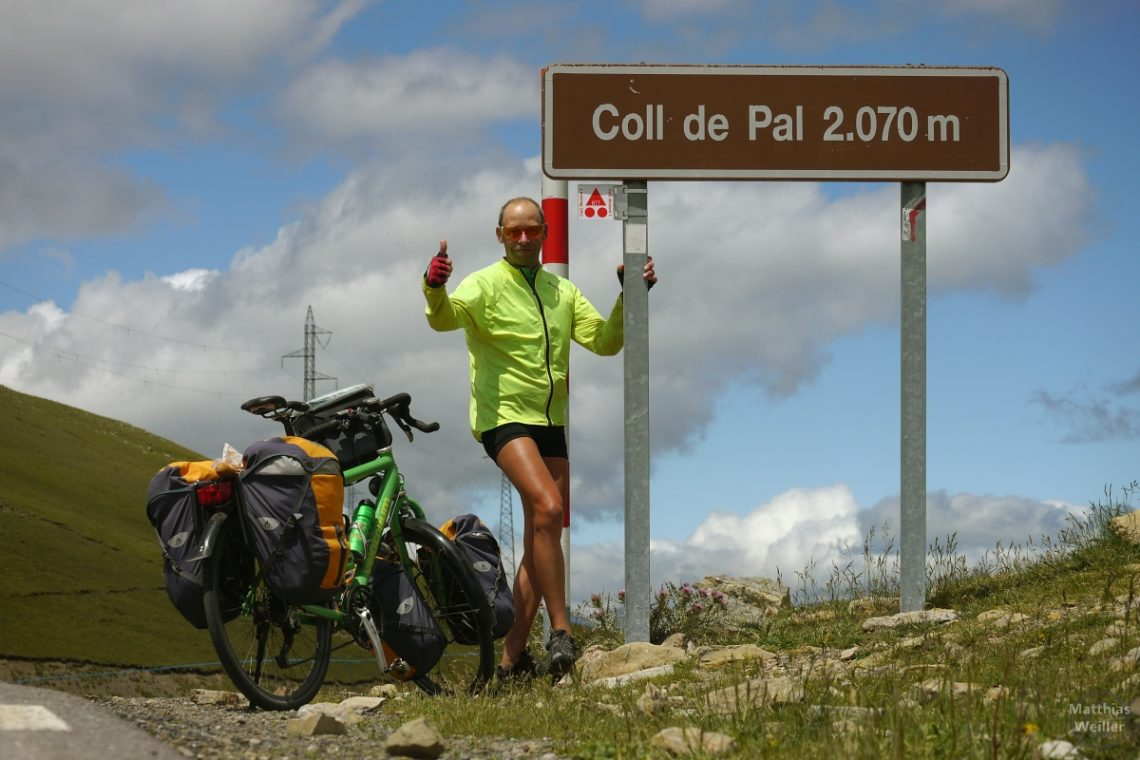 Porrtä mit Rad am Coll de Pal orange/gelb