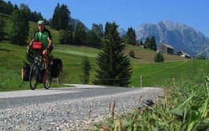 Porträt auf Rad vor Tennengebirge