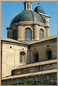 Domkuppe, Urbino