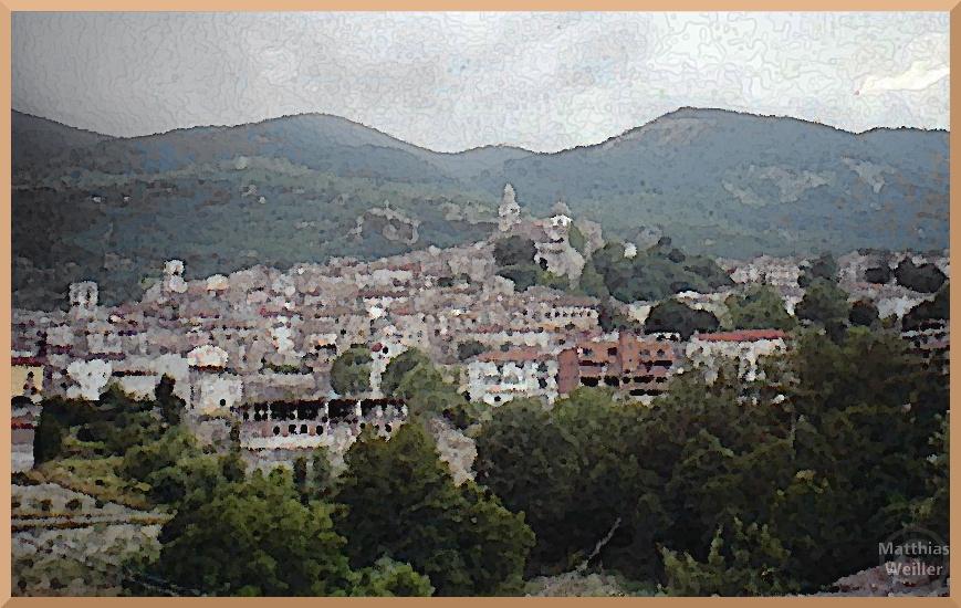 Cusano Mutri, Gesamtpanorma von unten, stilisiertes Foto im Ölmalstil