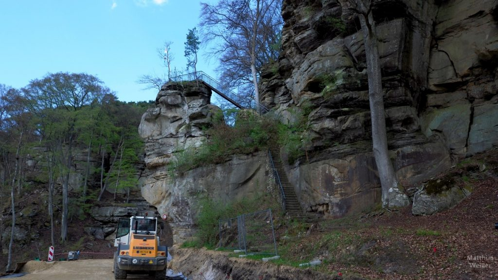 Weerschrumschloeff, Kleine Luxemburgische Schweiz, Richtung Berdorf, mit Baustellenfahrzeug