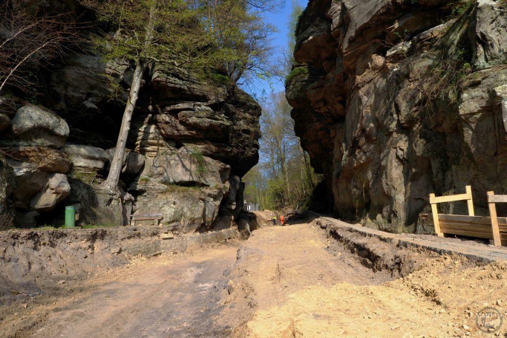Felskluse Weerschrumschloeff, Kleine Luxemburgische Schweiz, Richtung Berdorf, Straßenbaustelle