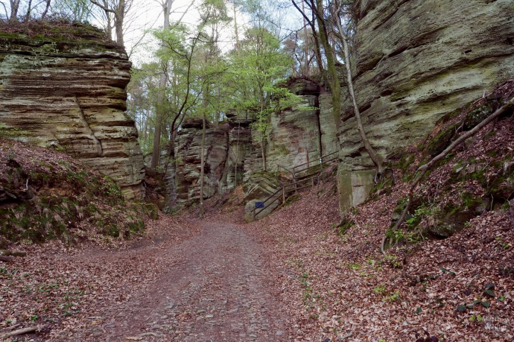 Felsenlabyrinth, Piste nach Berdorf