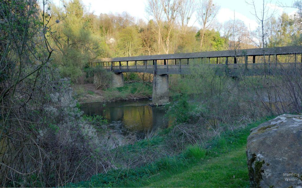 Überdachte Holzbrücke über die Sauer, Weilerbach