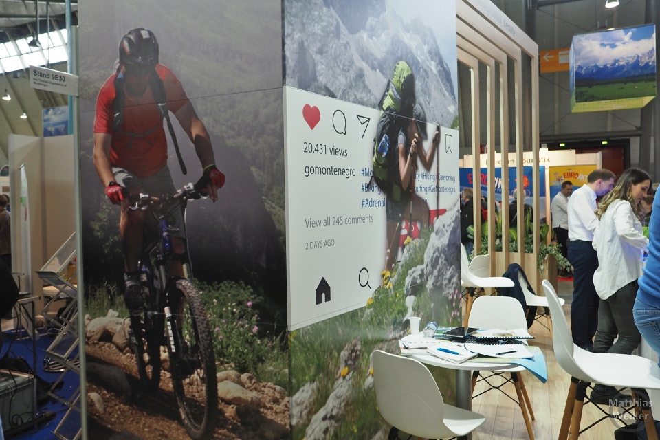 Messestand Montenegro mit Mountainbikerplakat