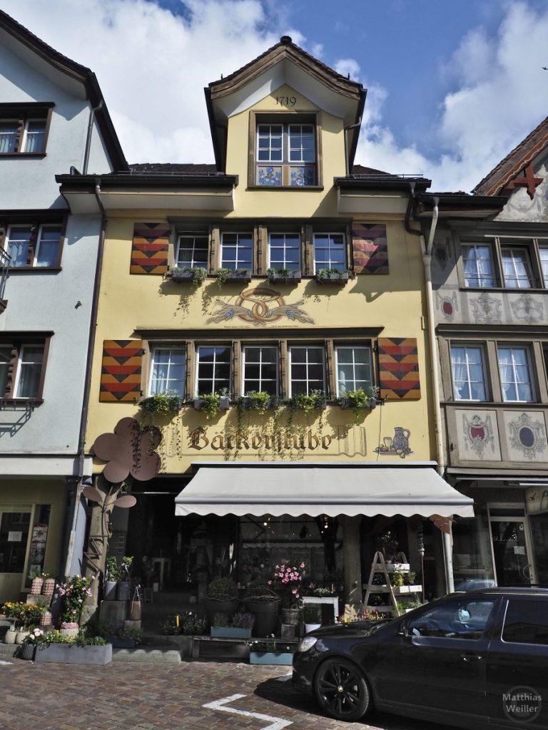 Altes Giebelhaus von 1719 mit farbiger Fassadenmalerei, Altstätten