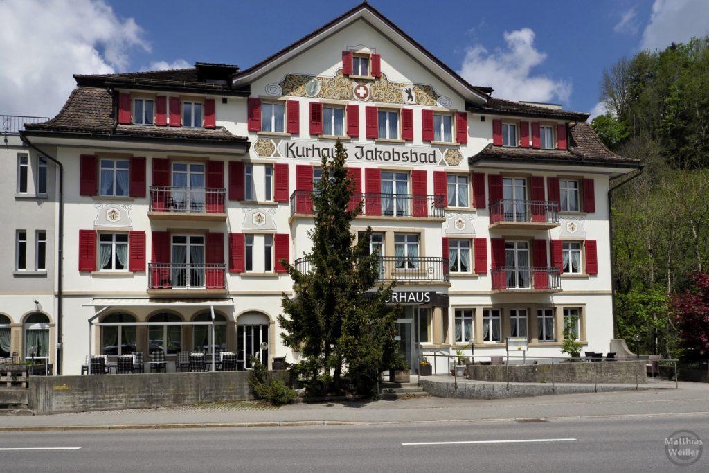 Kurhaus Jakobsbad, rot-weiß