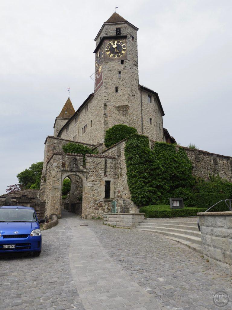 Schloss Rapperswil aus Froschperspektive