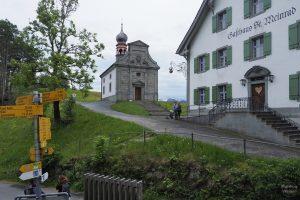 Kapelle und Gasthaus Etzelpass