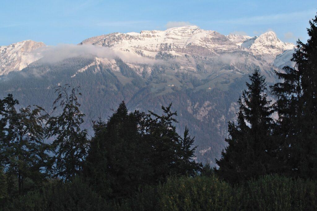 Bergstock mit Schnee