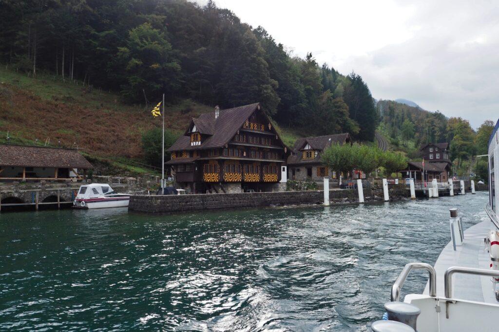 Ableger Treib mit schmuckem Holzhaus