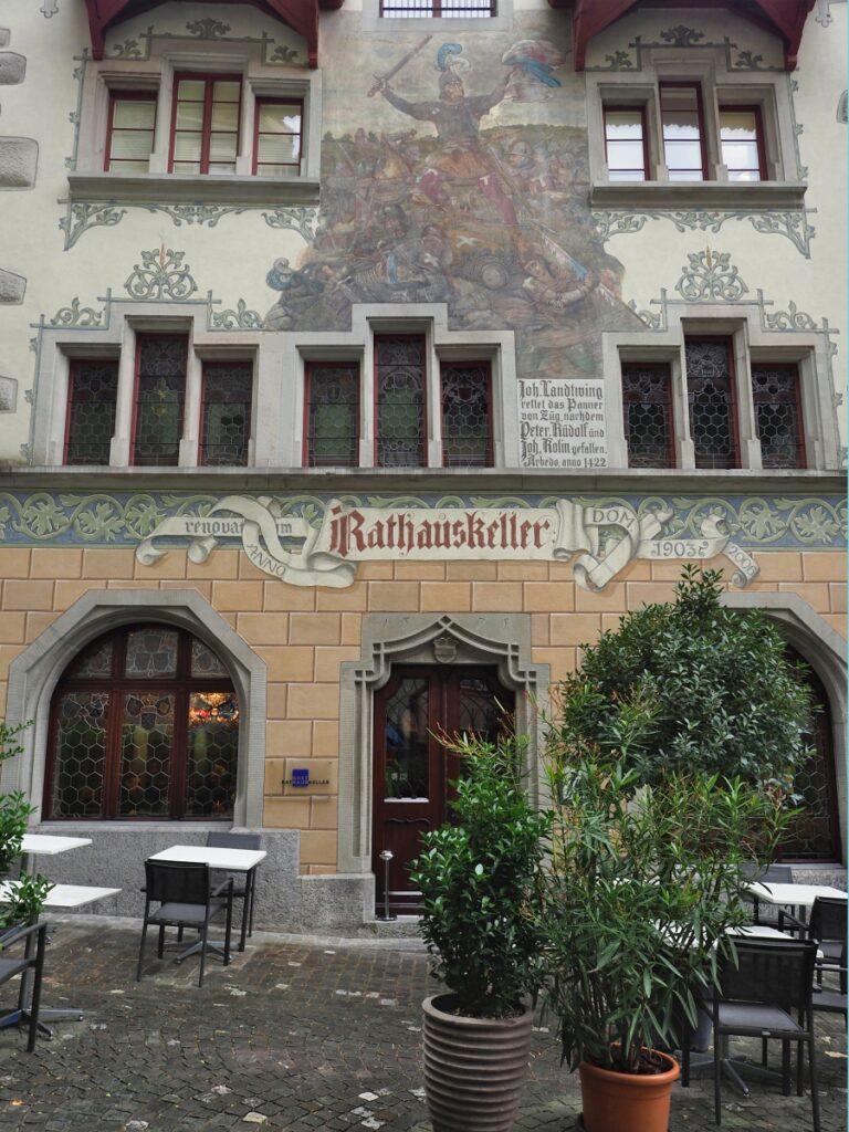bemalte Fassade Rathauskeller Zug