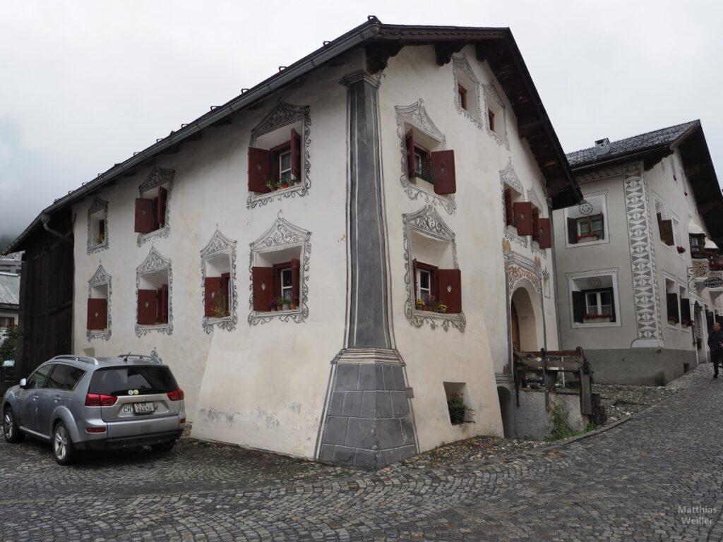Engadinerhaus, beige/grau, Scuol