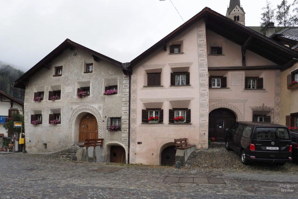 Engadinerhaus, zwei Häuser mit Platz, Scuol