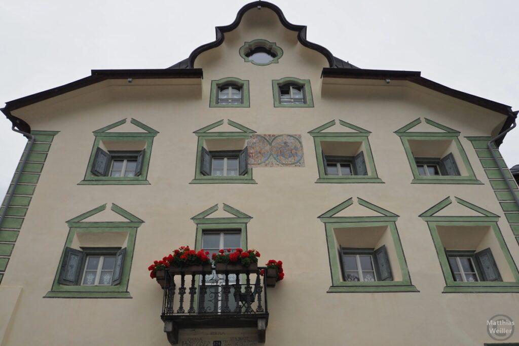 Engadinerhaus, beige/grün, Scuol