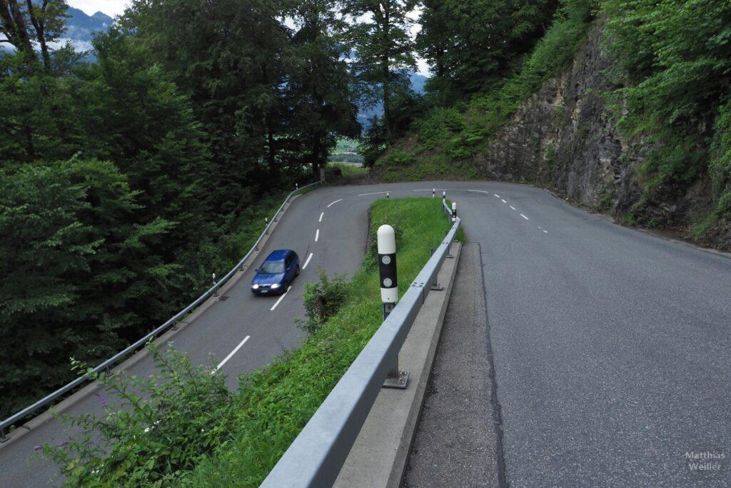 Spitzkehre auf Straße von Bad Ragaz nach Pfäfers