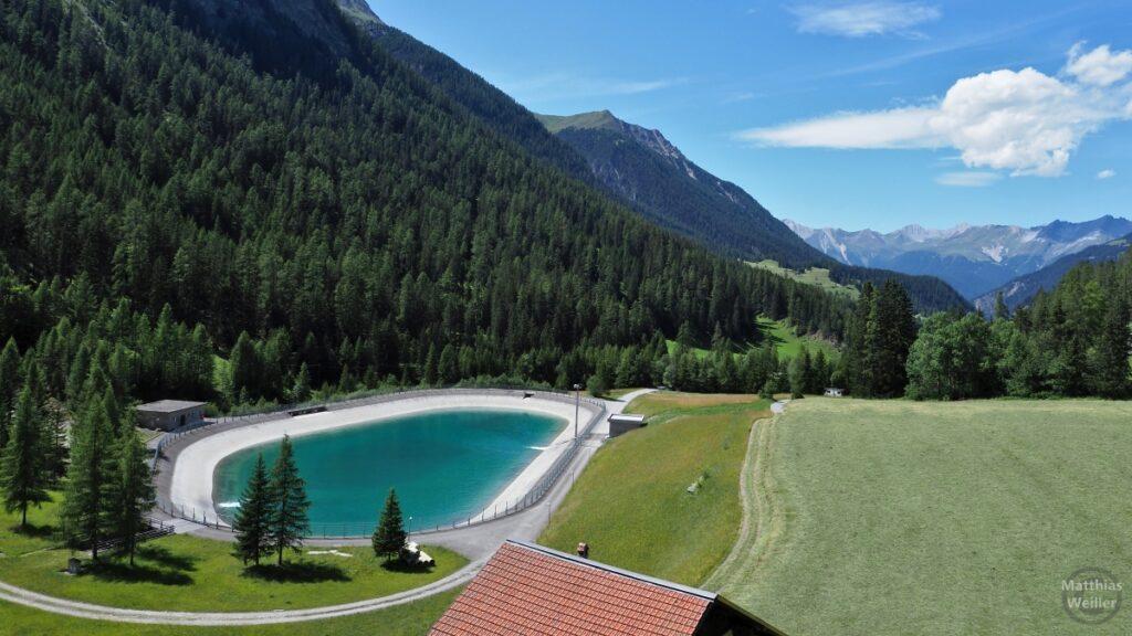 Speicherbecken Albulatal mit Bergkette