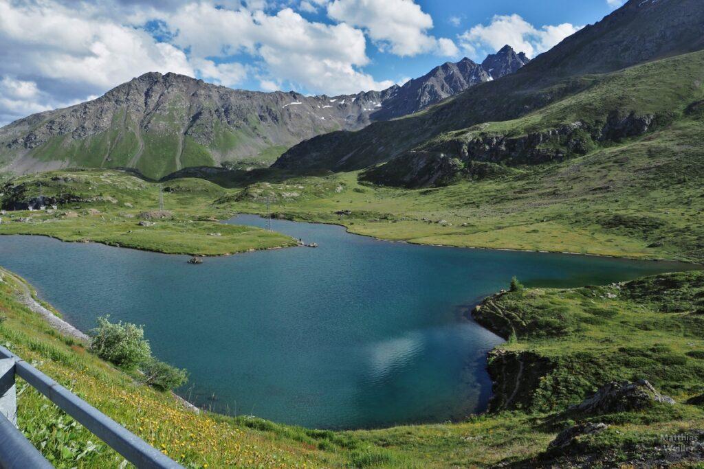 See mit Bergkulisse am Passo Foscagno