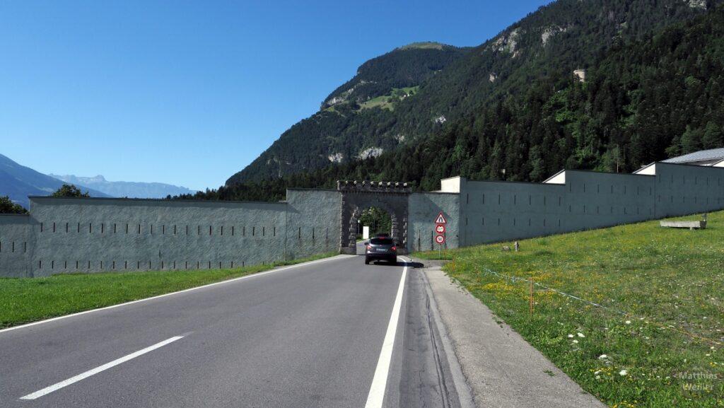 Mauer der Militärfestung St. Luzisteig