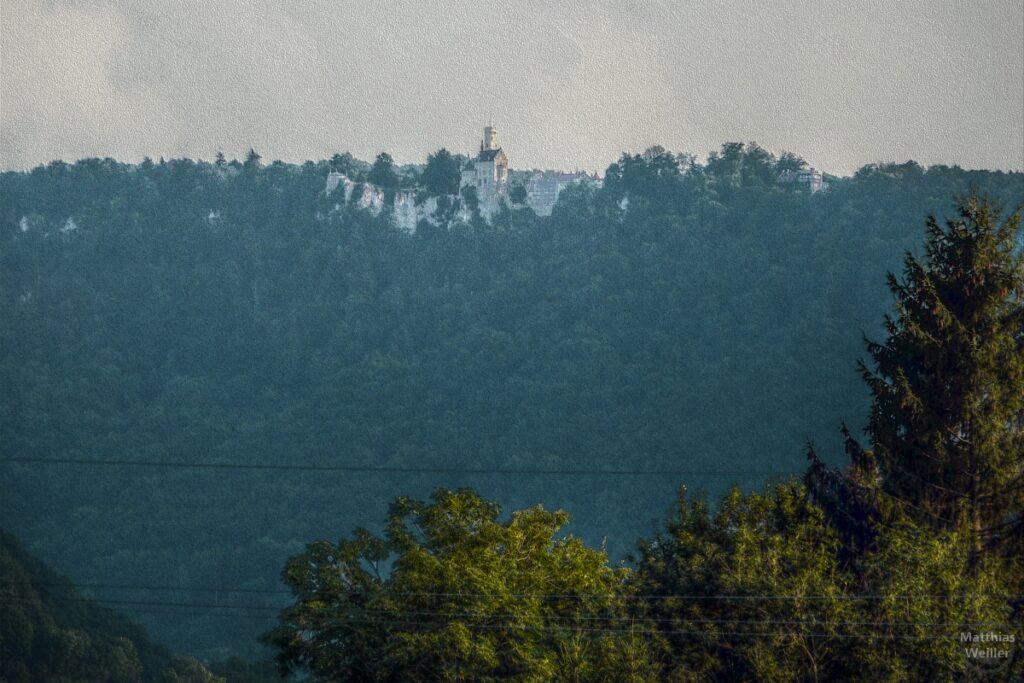 Leich stilisiertes Bild Burg Lichtstein in der Ferne