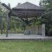Offene Gedenkkapelle 5 Ecken/Stahlträgern und Mauer mit Riss