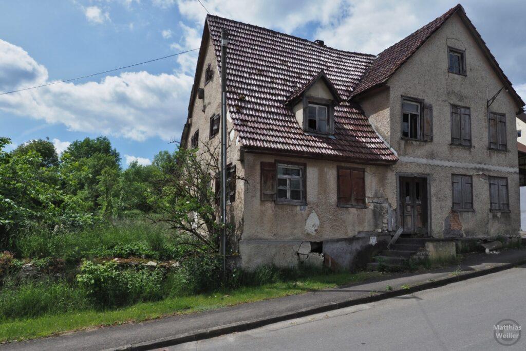 Verfallenes Haus in Münzdorf