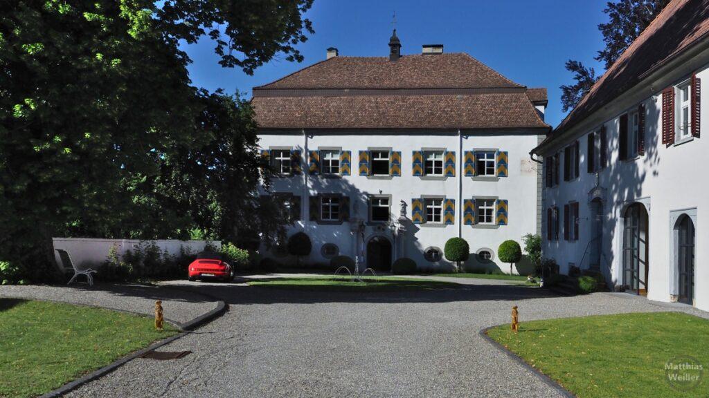 Schloss Mühlheim, Parkanlage oben, mit rotem Porsche