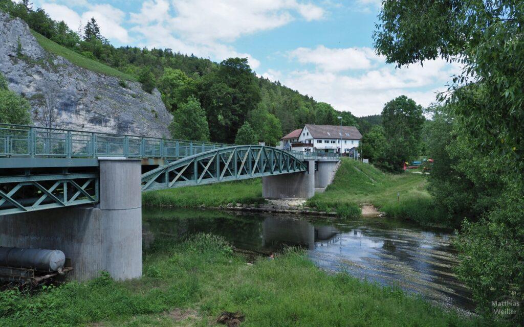 Stahlträgerbrücke über Donau