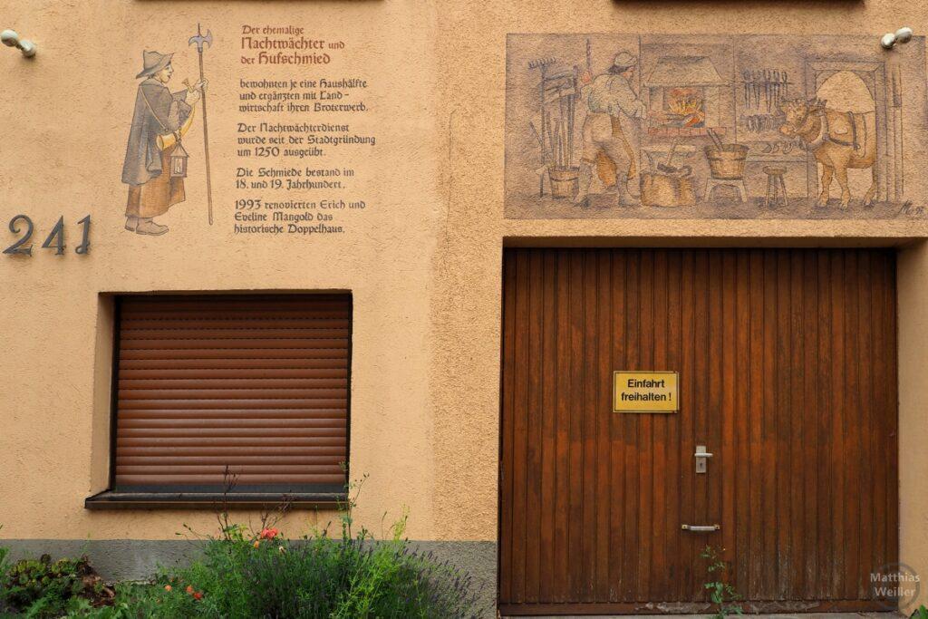 Fassadenfresko Nachtwächter und Hufschmied