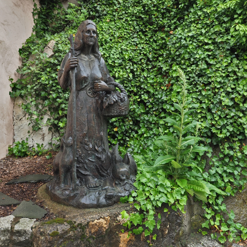 Skulptur der Anna Kramerin, Hexe von Veringenstadt